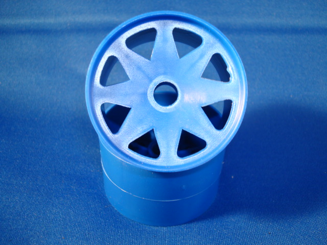 WT8690BLU  Windtunnel 1/10th Blue Front Wheels (pair)
