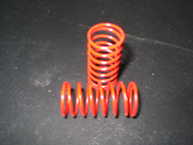 WT3305 Red 5# (CS) Center Shock Springs. (pair)